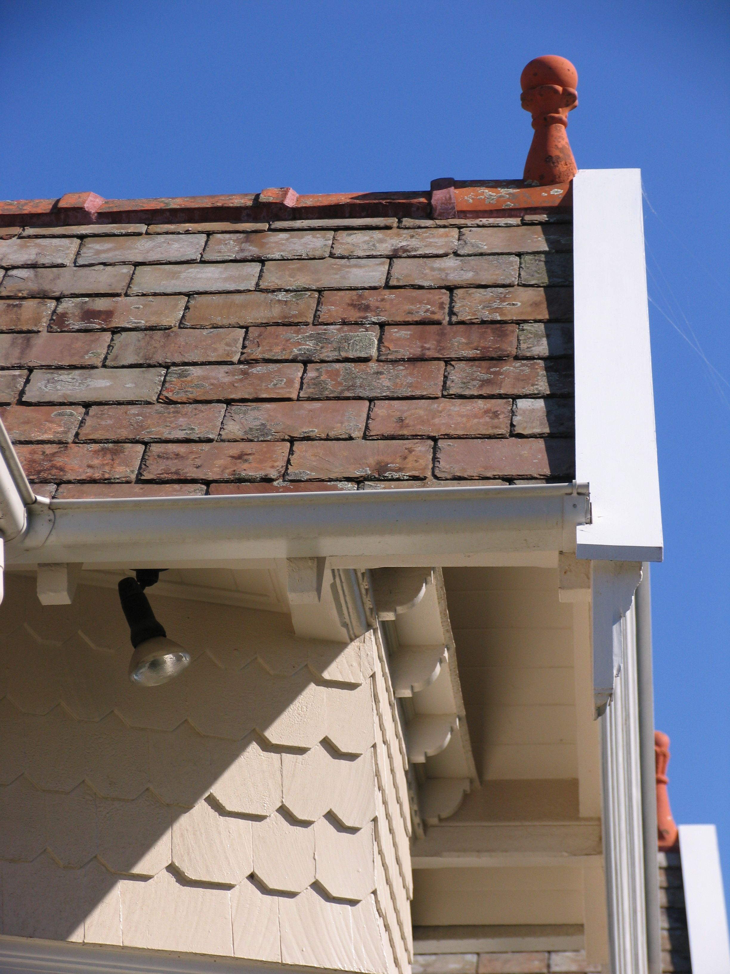 Slate roofing Sydney-Secondhand slates,Terracotta finial